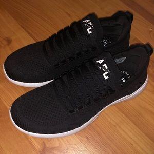APL Breeze Sneaker